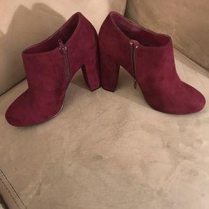 Nine West booties size 9.5